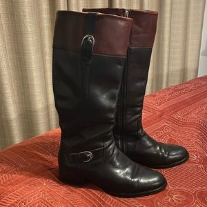 Leather boots. Two-Tone
